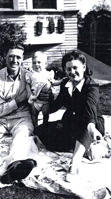 Baby Gloria and her parents, Burch and Thelma